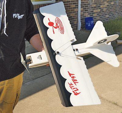 Flite-Test Bloody Baron Speed Build Kit FT4128 bei Trade4me RC-Modellbau kaufen