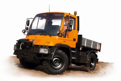 Carson Mercedes Unimog U300 100%RTR 2,4G 500907170 bei Trade4me RC-Modellbau kaufen