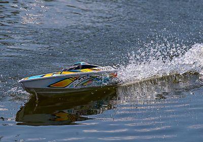 TRAXXAS TRAXXAS BLAST Boat  white/orange +12V-Charger+/Accu TRX38104-1ORNG bei Trade4me RC-Modellbau kaufen